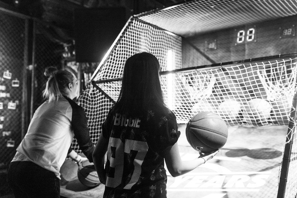 Sneakersnstuff-Nike-BlockParty-24