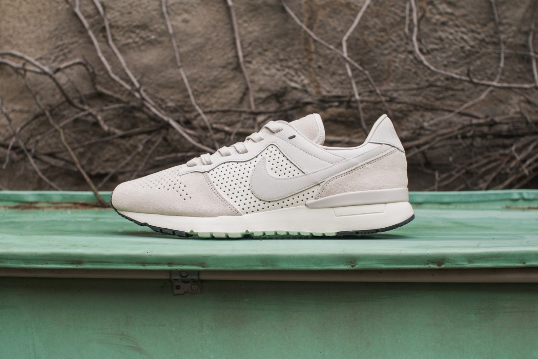 nike-perforated-archive83-01